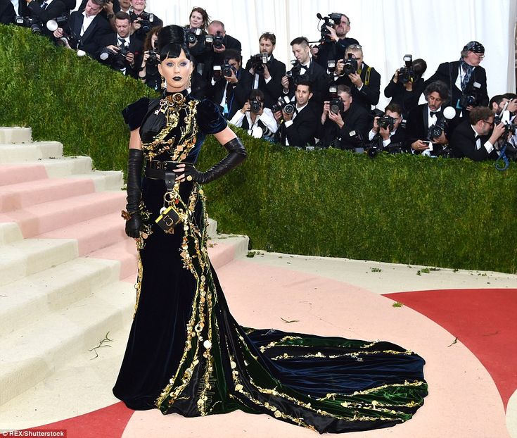 The Best Moments Of Katy Perry S Met Gala Hamburger Outfit: 17 Best Images About Met Gala 2016 On Pinterest