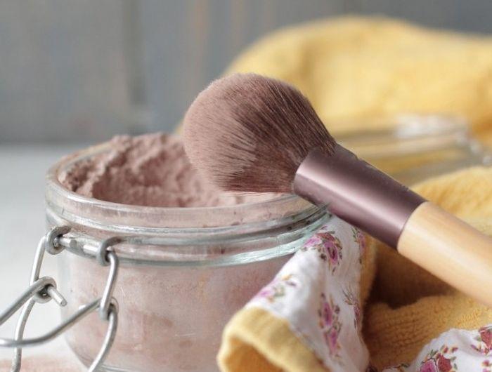 Puder Selber Machen Selbstgemachter Puder Aus Mehl Und Kakaopulver Kosmetik Selber Machen Selber Machen Make Up Selber Machen
