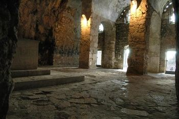 This cave is widely believed to have been dug by the Apostle Peter himself as a place for the early Christian community of Antioch to meet, and thus to be the very first Christian church.