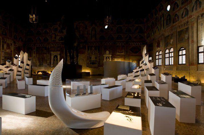 """Allestimento """"Zaha Hadid"""", Palazzo della Ragione, Padova, Italia"""