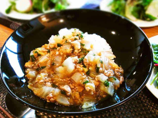白菜と豚挽肉のとろとろあんかけご飯☆の画像