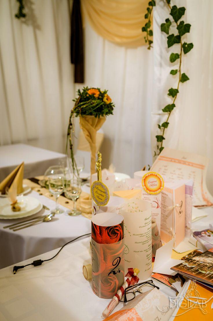 Narancs - fehér asztal dekoráció, #eskuvo, #wedding, #dekor, #design,  http://www.digilab.hu