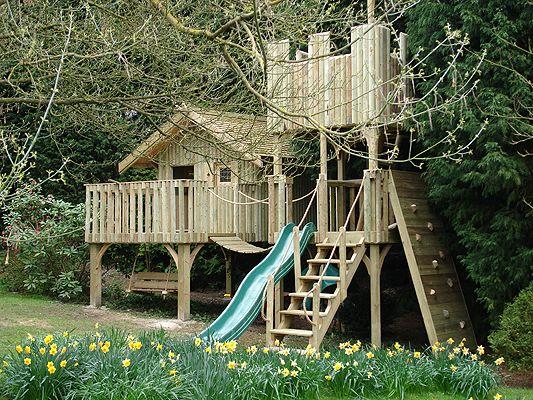 ea92fe5aba1732a149326bc0fd74f48d kids play houses tree houses kids the 25 best kid tree houses ideas on pinterest,Tree House Plans Uk