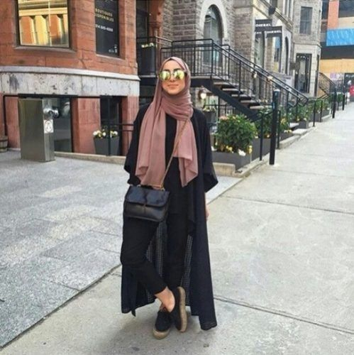 long black cardigan hijab chic- Hijab fashion and Muslim style http://www.justtrendygirls.com/hijab-fashion-and-muslim-style/
