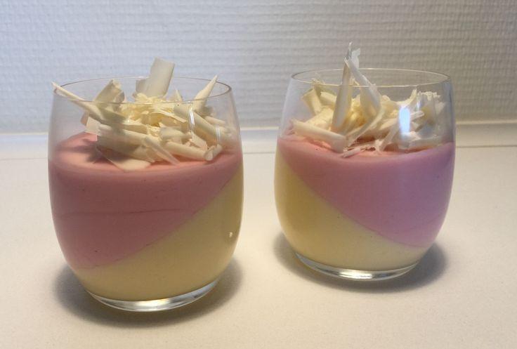 Hindbær- og hvid chokolademousse i glas
