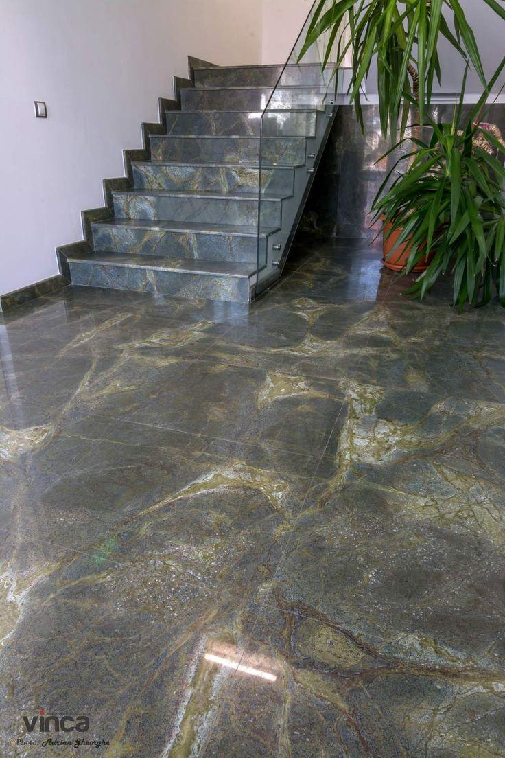 Pardoseala + trepte granit Verde Lightning, locatie: spatiu de birouri Piatra Neamt