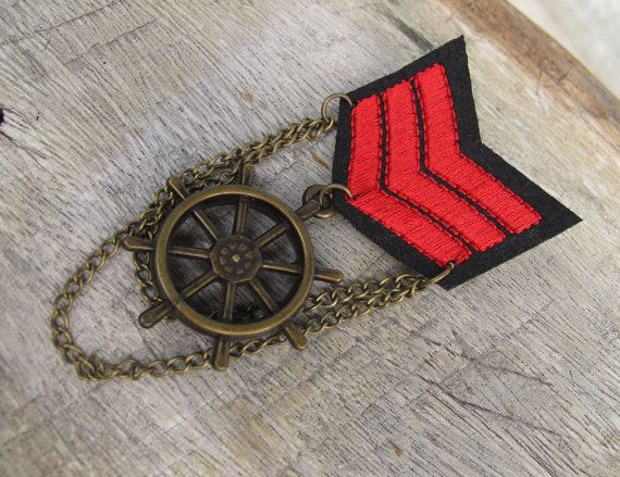 Military Red Shoulder Loop Shoulder Strap Bronze Medal Brooch with chains for clothing decoration
