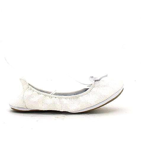 GOODTIMES 2 foldable flats in white/glitter. Comfortable and practical for the trip home, but the glitter means that you're still a little dressed up. #mybetsonBetts #BettsRaceDayReady #BettsShoes #shoes