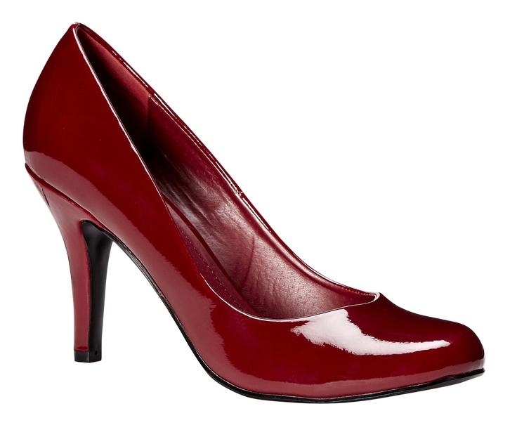 Red pumps / Escarpins rouges #red #rouge #pump #escarpin #shoe #reitmans