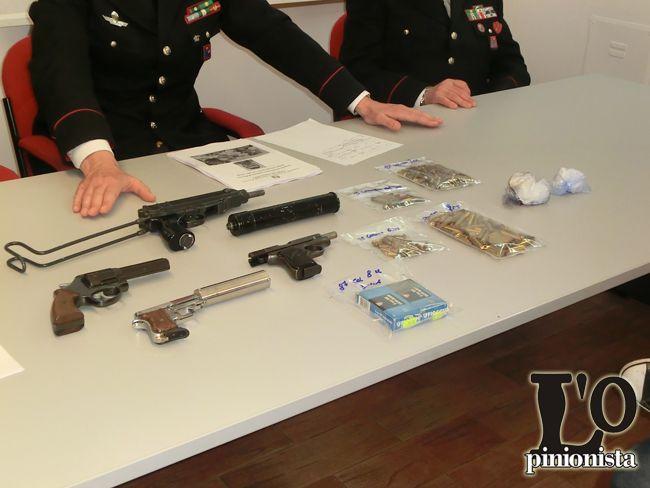 Scoperto arsenale dai Carabinieri di Pescara: 50enne arrestato anche con soldi e droga VIDEO