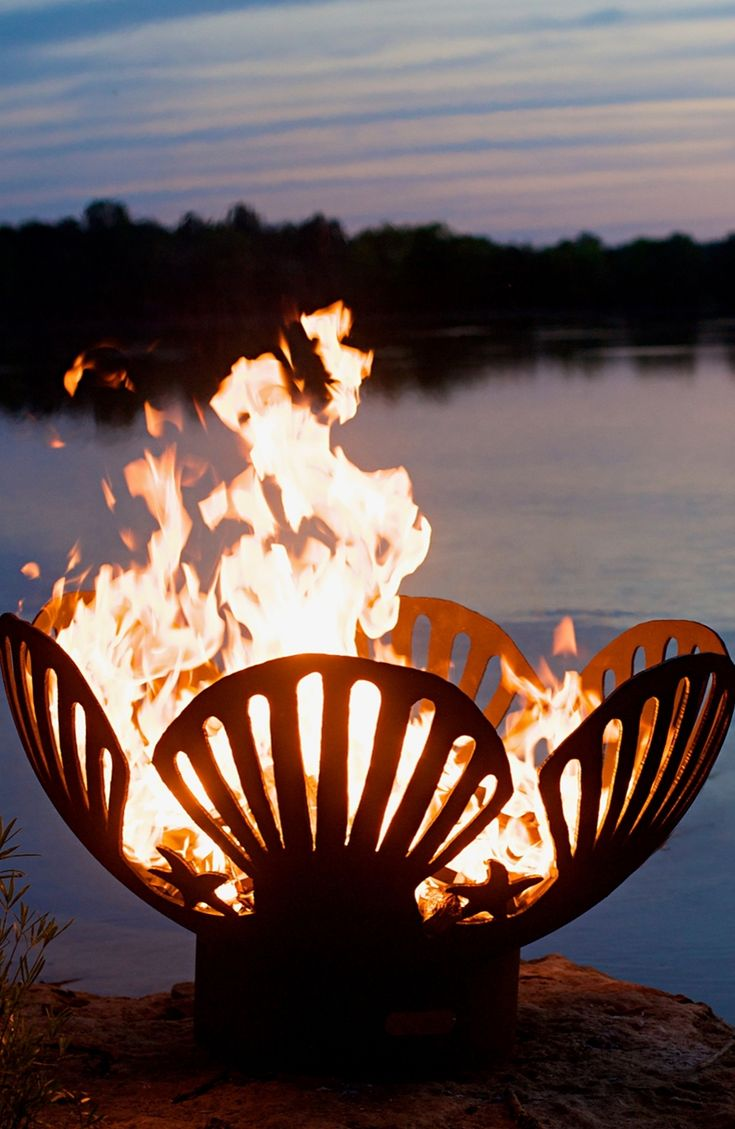 Inspired by the sea, the Barefoot Beach Fire Pit will add a coastal vibe to your outdoor area.