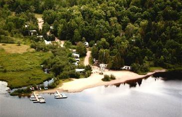 Camping Du Grand Lac Noir - Laurentides | Campingquebec.com