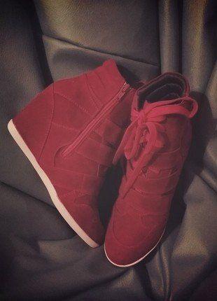 Kup mój przedmiot na #vintedpl http://www.vinted.pl/damskie-obuwie/botki/16449299-sneakers-sneakersy-eko-zamsz-czerwone-wysokie-zgrabne-hit-blog-38-24cm-nowe