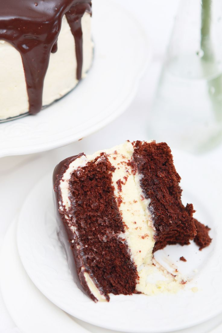 coffee cheesecake with caramel and chocOlate ganache