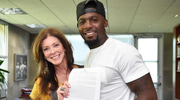 Dallas Cowboys | Official Site of the Dallas Cowboys -  Dez Bryant Signs Long-Term Deal With Cowboys Ahead Of Deadline