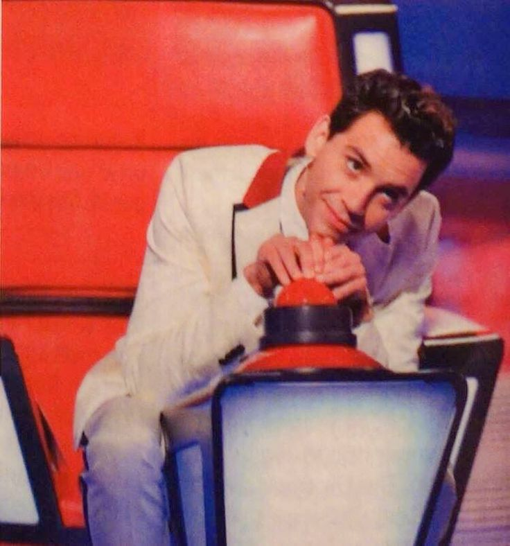 "Mika The Voice France 4. He like ""im pressing this big red button. Am gona an…"