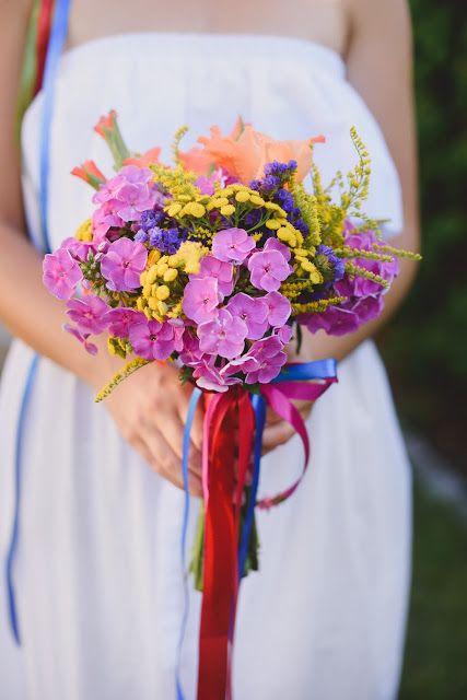 Letni bukiet ślubny : Pracownia paryskie klimaty ** fotograf : Maria Mendakiewicz ** stylizacja : Magdalena Sawicz