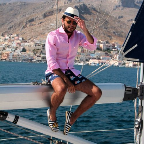 ピンク リネンシャツ×ショートパンツ Fabio Attanasioのコーデ   メンズファッションスナップ フリーク   着こなしNo:54827