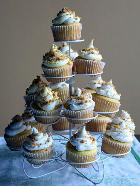 Easter Lemon Crumb Cupcakes. #nomnom #dessert http://www.ivillage.com/easter-menu-ideas/3-b-55138#55143
