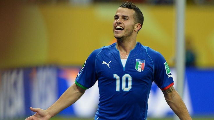 RECIFE, BRAZIL - JUNE 19: Sebastian Giovinco of Italy celebrates after scoring his team's fourth goal during the FIFA Confederations Cup Brazil 2013 Group A match between Italy and Japan at Arena Pernambuco on June 19, 2013 in Recife, Brazil. (Photo by Claudio Villa/Getty Images)