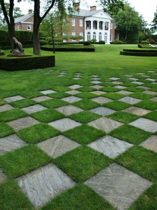 14 best images about garden ideas on pinterest for Formally designed lawn