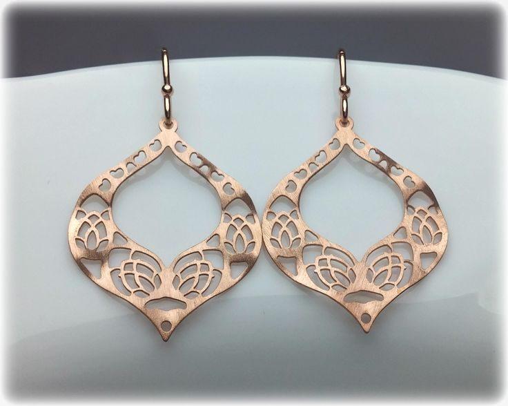 Modern, elegant earrings in 18K yellow gold vermeil, rose gold or sterling silver having a matte finish. They are delicate and light! Moroccan styled full of small hearts & flowers in a diamond shape! They look trully gorgeous with every outfit!