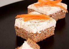 En härlig morotskaka, bakad på mandelmjöl. Nyttigt och perfekt till fikat!