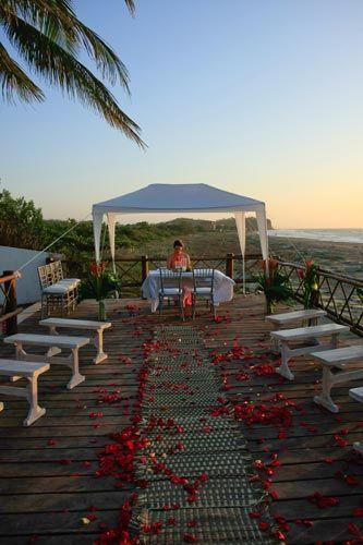 Creando la atmosfera perfecta para el amor en Karmairi Cartagena.