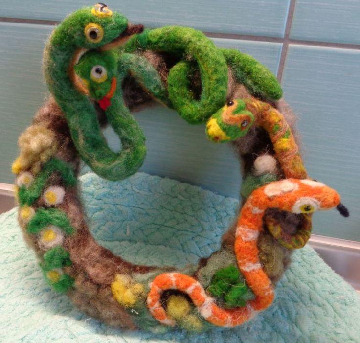 hadí hnízdo