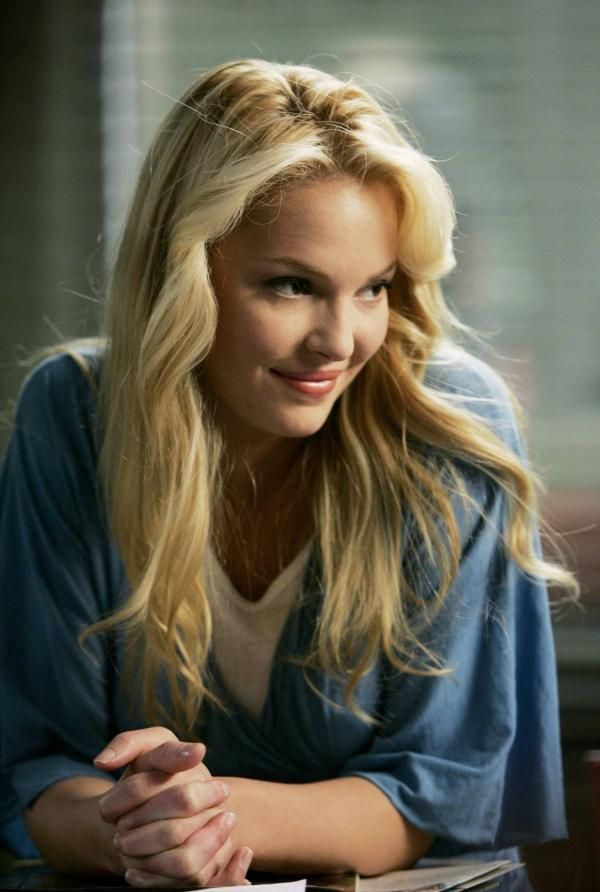 Love Katherine Heigle but obsssed with her on greys when she's izzy! izzy is exactly me but i love love love her want her back on the showww