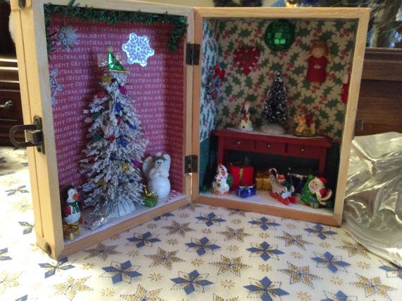 Christmas shadow box, Shadow box themed My Home At Christmas, miniature decorated Christmas shadow box, wooden trunk Christmas shadow box