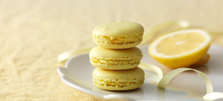 Macaron-leivokset sitruuna-suklaatäytteellä - Fazer