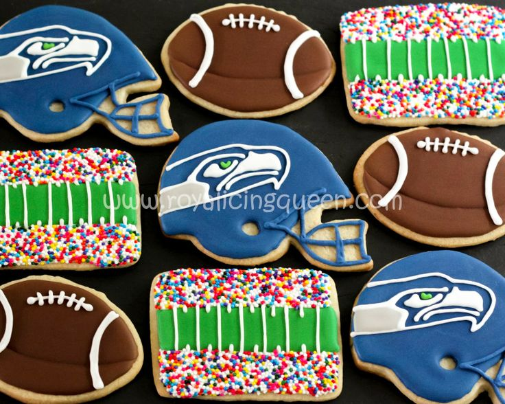 The Royal Icing Queen: Stadium, helmets and ball cookies!