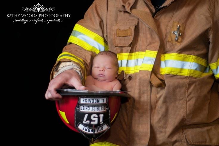 Fireman and his newborn!Firefighters, Baby Ideas, Fireman Newborns Photography, Newborns Pics, Future Baby, Firemen, Baby Pictures, Maternity Newborns Baby, Newborns Fireman Photos Ideas