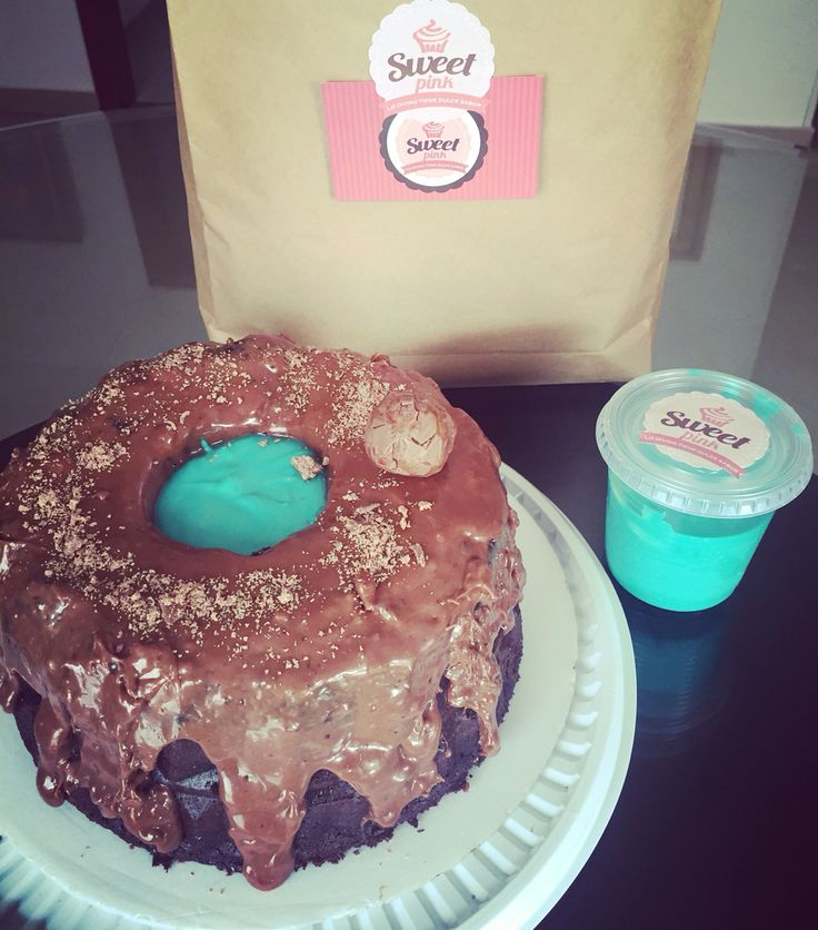 Torta de milky way con cream cheese baby blue