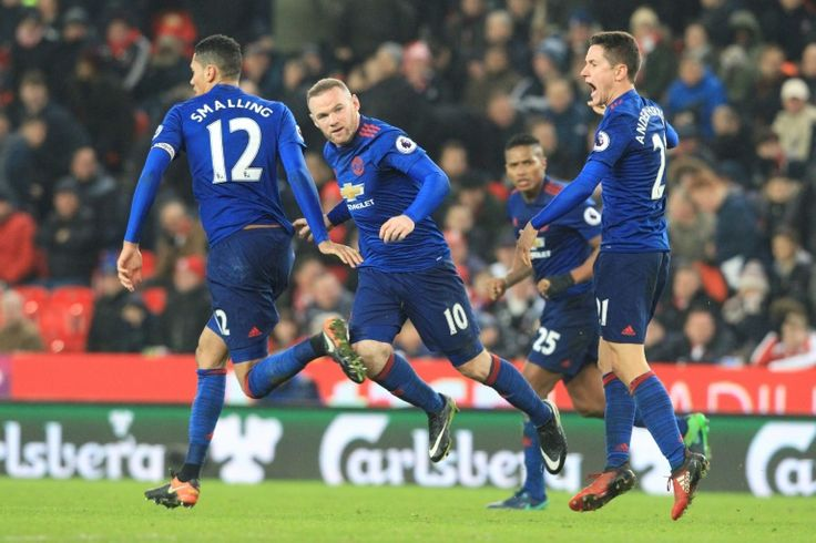 Rooney salvages point for Manchester United with record-breaking strike   Stoke-on-Trent (United Kingdom) (AFP)  Wayne Rooney fired home a spectacular injury-time equaliser to break Bobby Charltons Manchester United goalscoring record and force a 1-1 draw with Stoke City in Saturdays Premier League clash.  Rooney couldnt have chosen a better way to grab his 250th goal for the club from a free-kick with time running out after United had trailed since the early stages to an unfortunate own…
