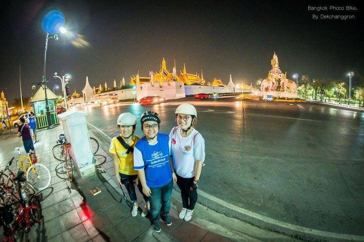 Nice shot by Bangkok Photo Bike. Love riding around BKK at night.