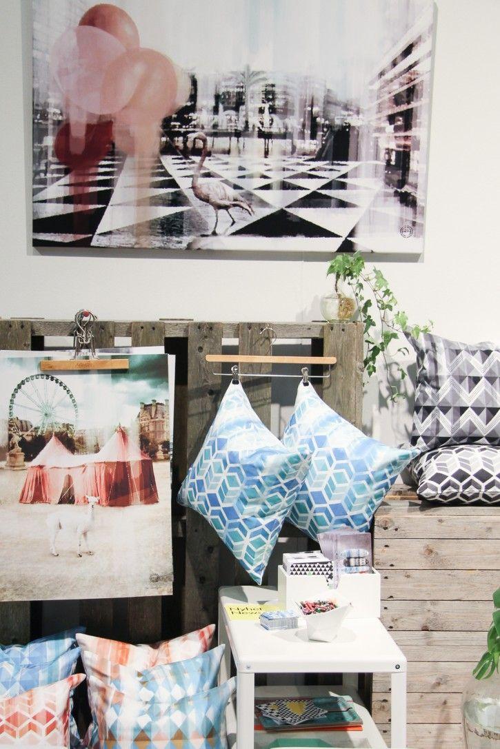 Amazing news by Camilla Edfors! #nordicdesigncollective #formex #formexfair #designfair #stockholmsmassan #fair #nordic #design #camillaedfors #print #poster #cushion #cushioncover #holiday #paris #kub #cube #blue #pink #pattern #geometrical interiordesign #homedecor #inspiration #designer #news #black #grey