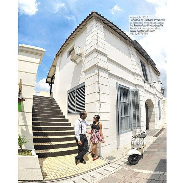Tanusha+Dashant #PreWedding #Photoshoot at Benteng Vredeburg #Yogyakarta | #Photo by @Poetrafoto #Photography, http://prewedding.poetrafoto.com/foto-pre-wedding-outdoor-by-wedding-photographer-jogja_433