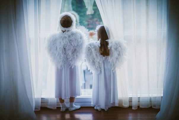 Организация свадьбы это важнейший этап в жизни молодоженов. Ведь свадьба – это тот день, который войдет в историю Вашей семьи. Его нельзя переписать, а значит, ваша задача сделать праздник идеальным с первого раза. Это событие останется в памяти на долгие года, а какие воспоминания отложатся - зависит от ВАС.Из всей ...