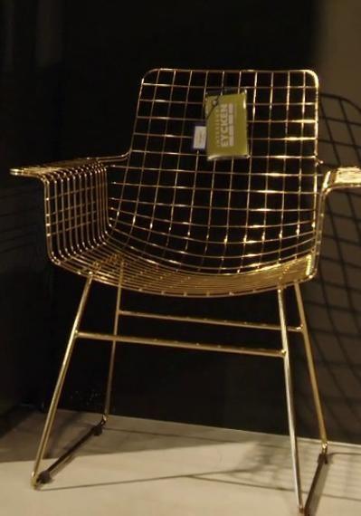 Geniet van extra design in je woning met deze bronze stoel metaaldraad met armleuning van HK Living