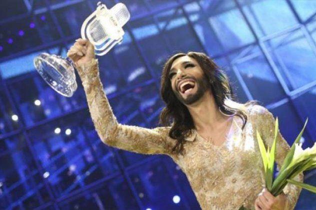 Eurovision: Η τραβεστί Conchita Thomas πήρε το 1ο βραβείο & η Αυστρία νίκησε μετά από 48 χρόνια - Νίκη της διαφορετικότητας και της ανεκτικότητας - 20η η Ελλάδα με το Rise Up & το τραμπολίνο | eirinika.gr