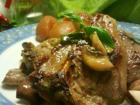 Lam...   We hadden het nog nooit gegeten...   tot deze dag :)         Het werd goed gekeurd....   Ik marineerde en grilde de koteletten.   ...
