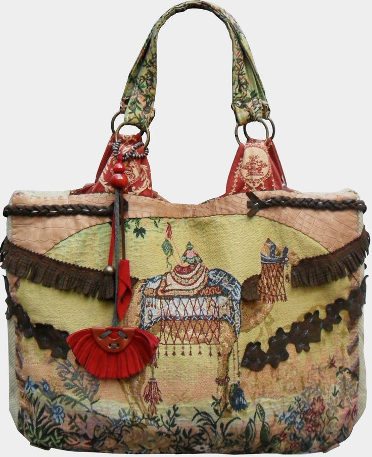 CAMEL Tote, Handmande Cotton Jacquard decorated with leather detail