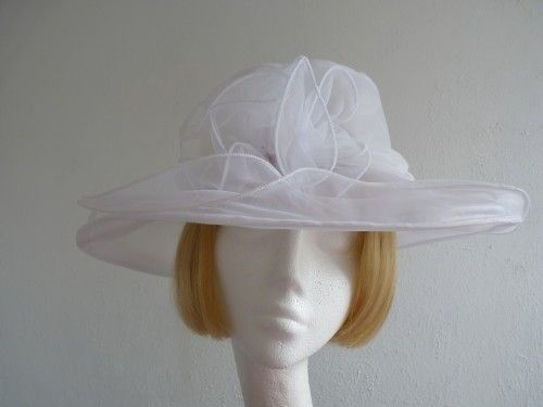10% OFF - Wedding Hat Jilly in White