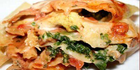 En variant af lasagne, der med kombinationen af fløde, spinat og en tomatsauce med dejligt varme krydderier hurtigt bliver en genganger på menuen.