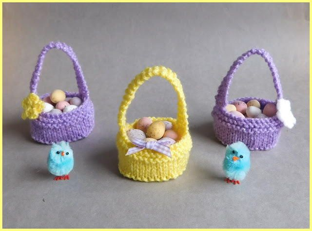 Sweet Little Easter Baskets | These adorable knit Easter baskets are perfect for the pastel-filled holiday.