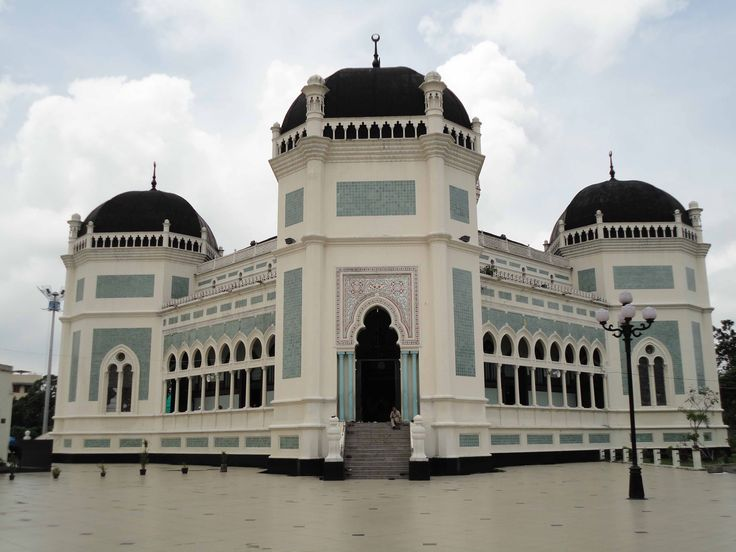 Gorgeous Grand Mosque Al Mahsun in Medan <3 <3 <3