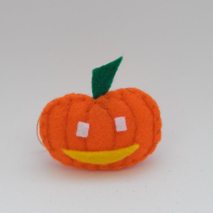 White eyes pumpkin - trick or treat, orange decorations, hanging ornaments, autumn decorations, felt decors - by HalloweenOrChristmas on Etsy