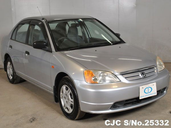 2002 Honda Civic - Stock No. 25332 Chassis: ES1 Grade: 3.5 - Good Condition Type: Sedans Mileage: 78035 km Engine: 1.5 Fuel: Petrol Transmission: MT Steering: Right Hand Drive (RHD) Colour: Silver Doors: 4 Seats: 5 Location: Harare #usedcars #japaneseusedcars #honda #hondacivic